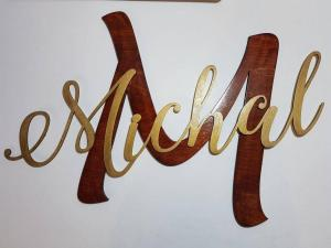 Wall Decor Name Cutting